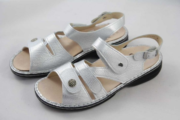 Finn Comfort Gomera Sandale argento