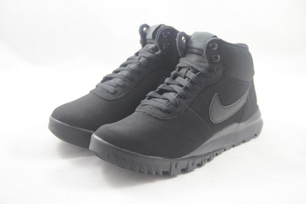 Nike Hoodland suede Men Sneaker Mid black